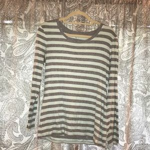 Gap long sleeve t shirt - medium/large